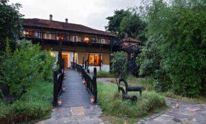 Samode-resort-bandhavgarh-exterior